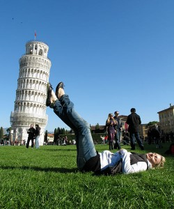photography-forced-perspective-effect-graphic-photo
