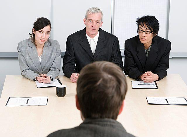 Le 8 domande più frequenti ad un colloquio di lavoro per logo designer