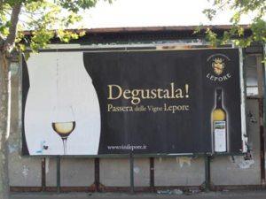 graphic-funny-publicity-passera-vigne-lepore